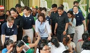 菲律賓副總統羅貝多參與慈濟大米發放  見證「love from Taiwan」!