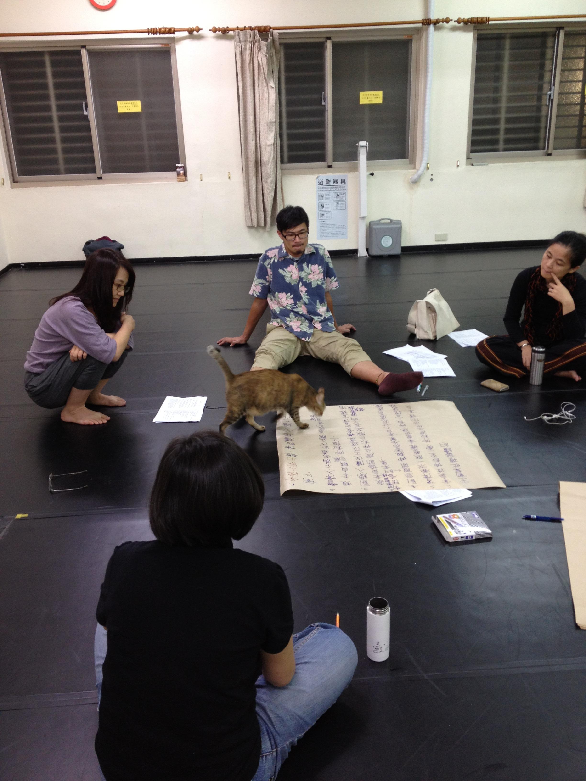 2012論壇劇場大戲《一僱二主》製作團隊直擊