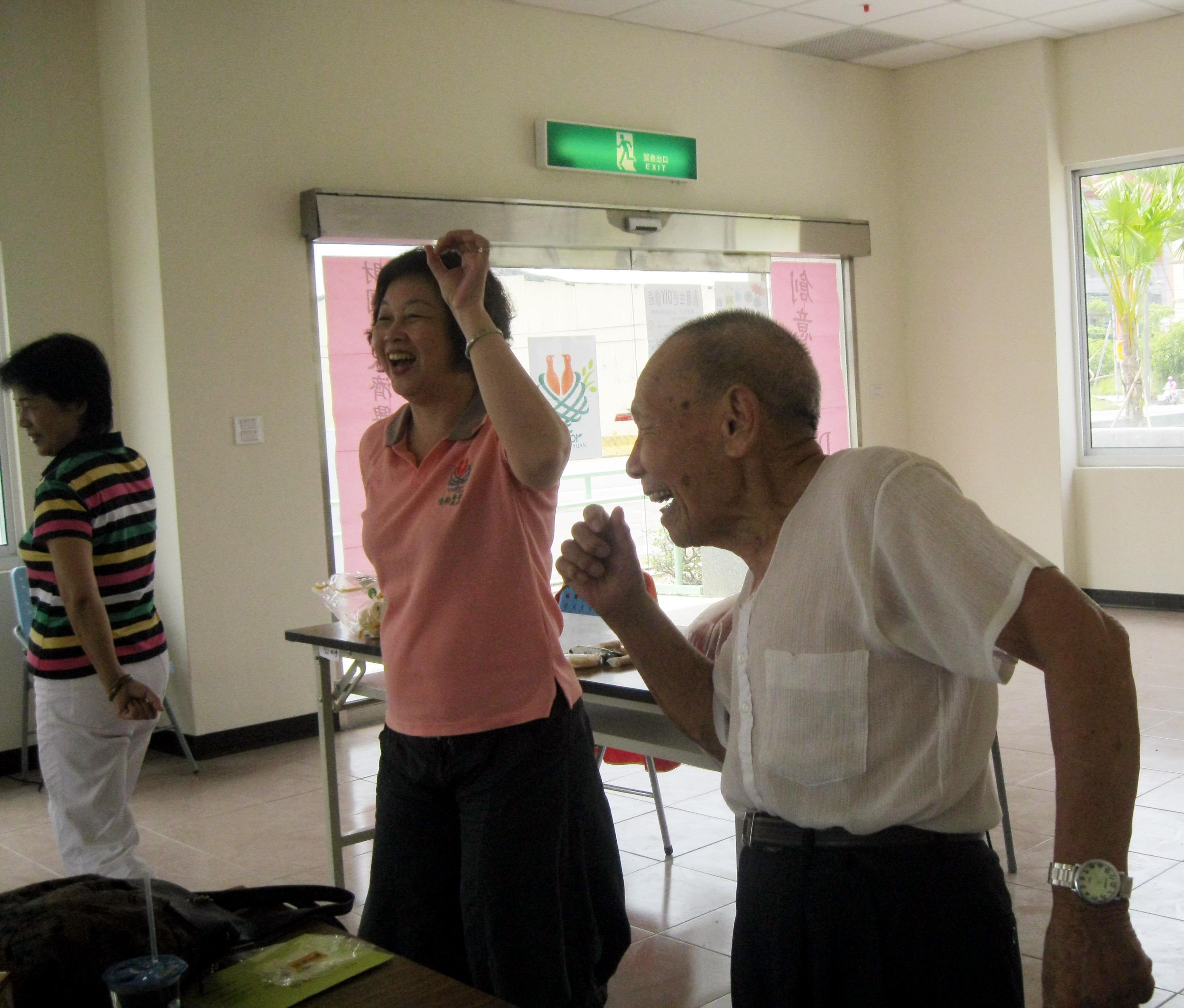 濟興推辦愛老關懷之旅 帶老人趴趴走樂生活