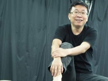 紅燈區長大的左翼劇場導演,郭慶亮