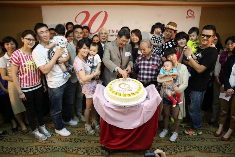 靖娟20年生日快樂!靖娟好朋友們也來共襄盛舉!