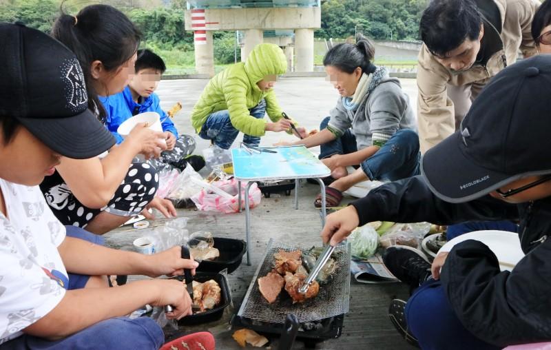 百里飄香-冷冬傳愛 河濱烤肉活動報導