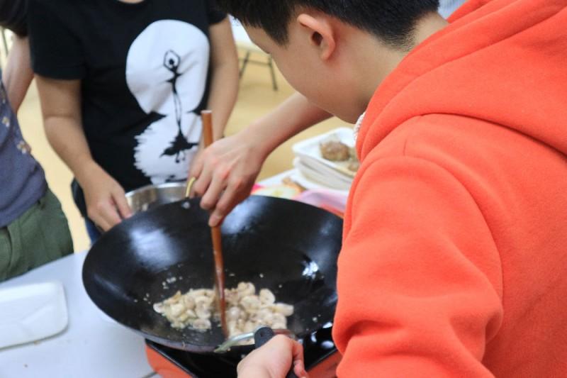 動動手 玩創意 小小兵們來做菜- 親子總舖師系列方案