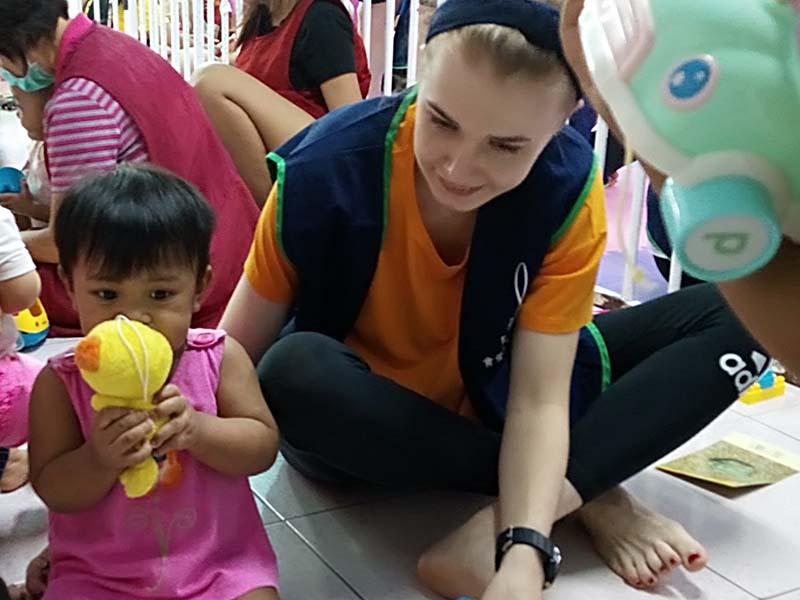 幸福列車愛的連結 - 繪心笑一笑方案
