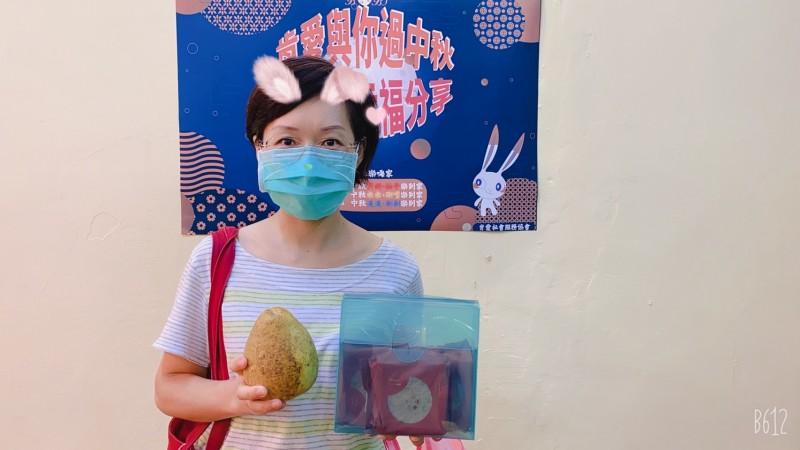 贈物網x宏亞食品 金秋感謝祭中秋月餅捐贈報導