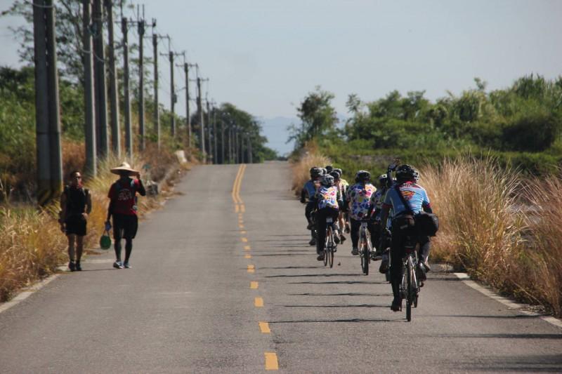 向日葵少女14天單車壯遊