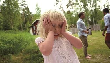 孩子在公共場合哭鬧,你可以怎麼做?