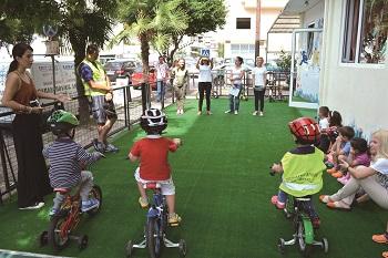 以色列奇布茲幼兒園的「團隊合作」課