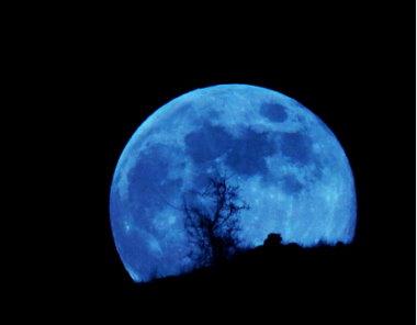 寫自己的故事~圓月亮