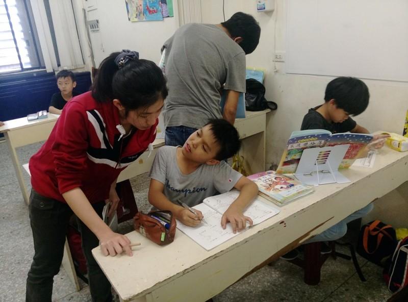 年固回顧 - 弱勢家庭孩童課後輔導