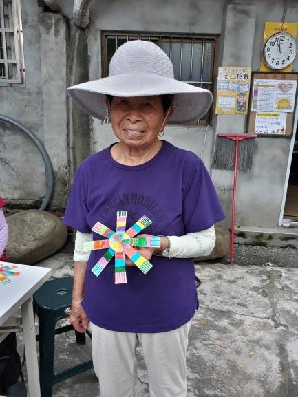 社區據點活動 ─ 紙杯陀螺